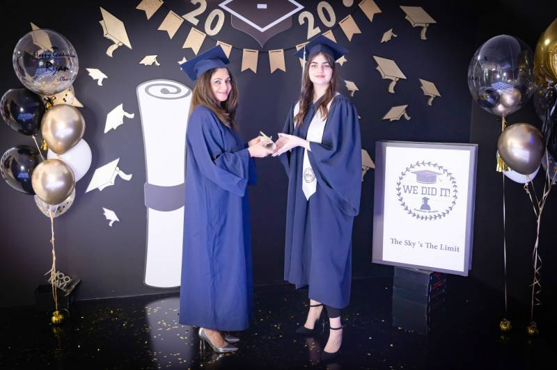 The Selfie Kingdom Gives UAE Students An Opportunity To Still Have A Memorable Graduation