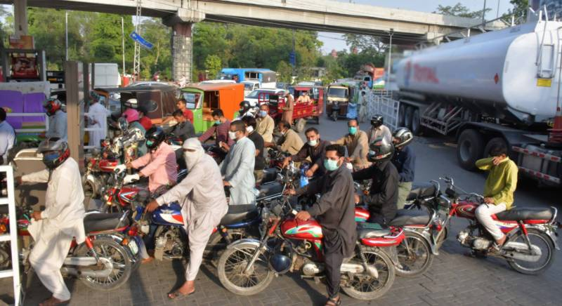Petrol price hiked by Rs25.58 per litre in Pakistan