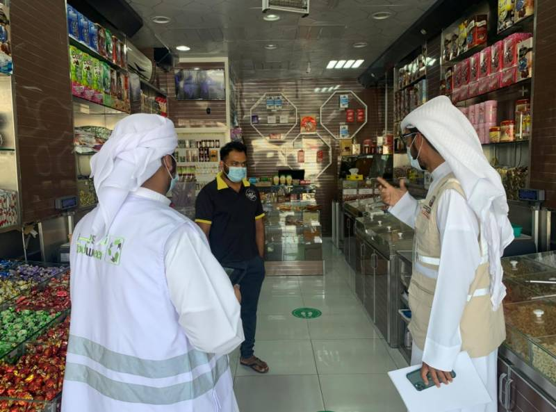 Tadweer Commences Field Awareness Drive as Part of 'Al Dhafra Deserves' Campaign