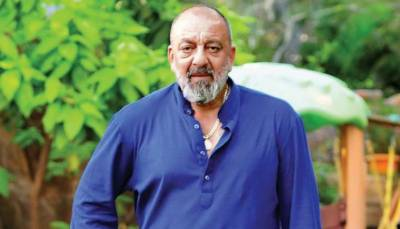 Sanjay Dutt is suffering from lung cancer
