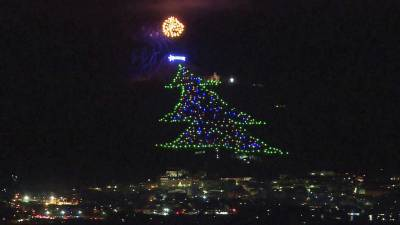 A large tree decorated with lights was made for Christmas