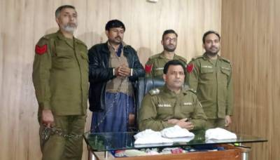 Sheikhupura police continue operations to eradicate illegal weapons and drug dealers.