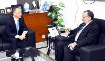 Chinese Ambassador meets Federal Minister for Railways Azam Khan Swati, agrees to start project on ML-1 soon