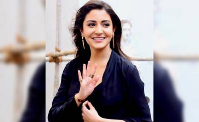 Anushka appeals to the Indian people to unite and fight against Corona